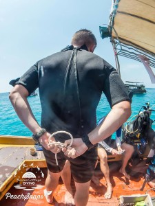 Behind The Back Bowline Divemaster