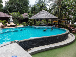 Koh Tao Divemaster Sairee Cottage Diving Pool Bar