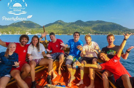 We're on a boat – Sairee Cottage Divemaster Boat